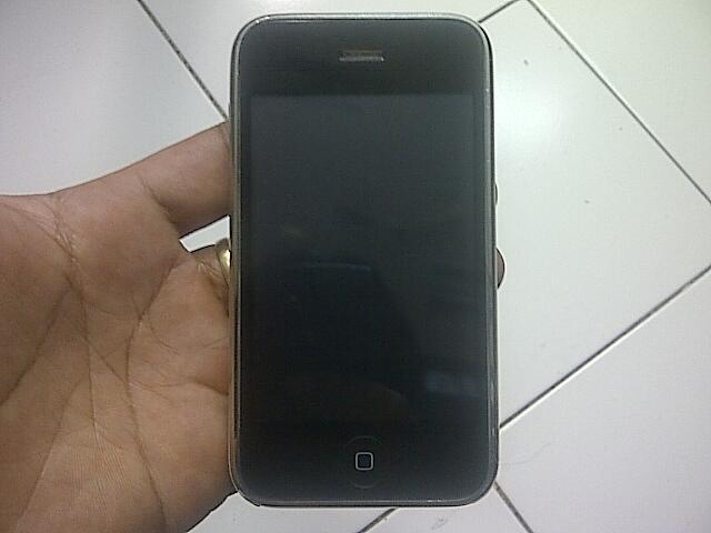 iPhone 3GS 32gb ( Putih )