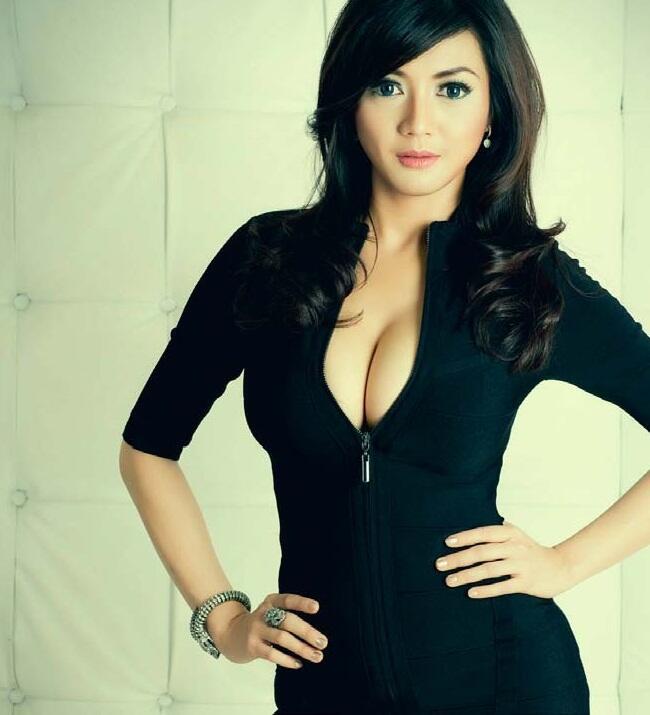 Wiwid Gunawan Atau Vicky Shu???