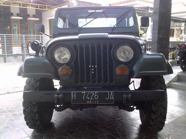 Dijual JEEP CJ7 '80 versi militer