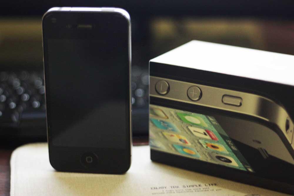 JUAL CEPAT! IPHONE 4 16 GB BLACK FULLSET MULUS FU, JAKARTA