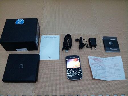 Blackberry Dakota 9900 Black Mulus Fullset Garansi CTN Panjang 3 Jutaan (BU) !