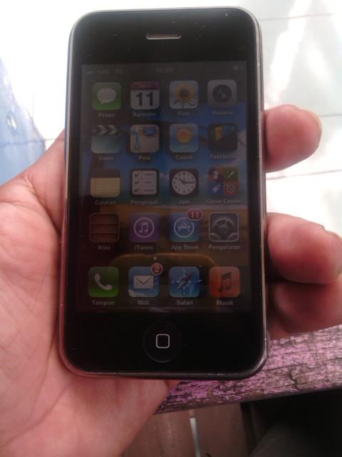 WTS Iphone 3GS 16 GB FU Black...Solo