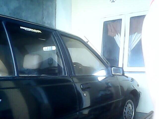 Mobil Sedan NISSAN SUNNY '88