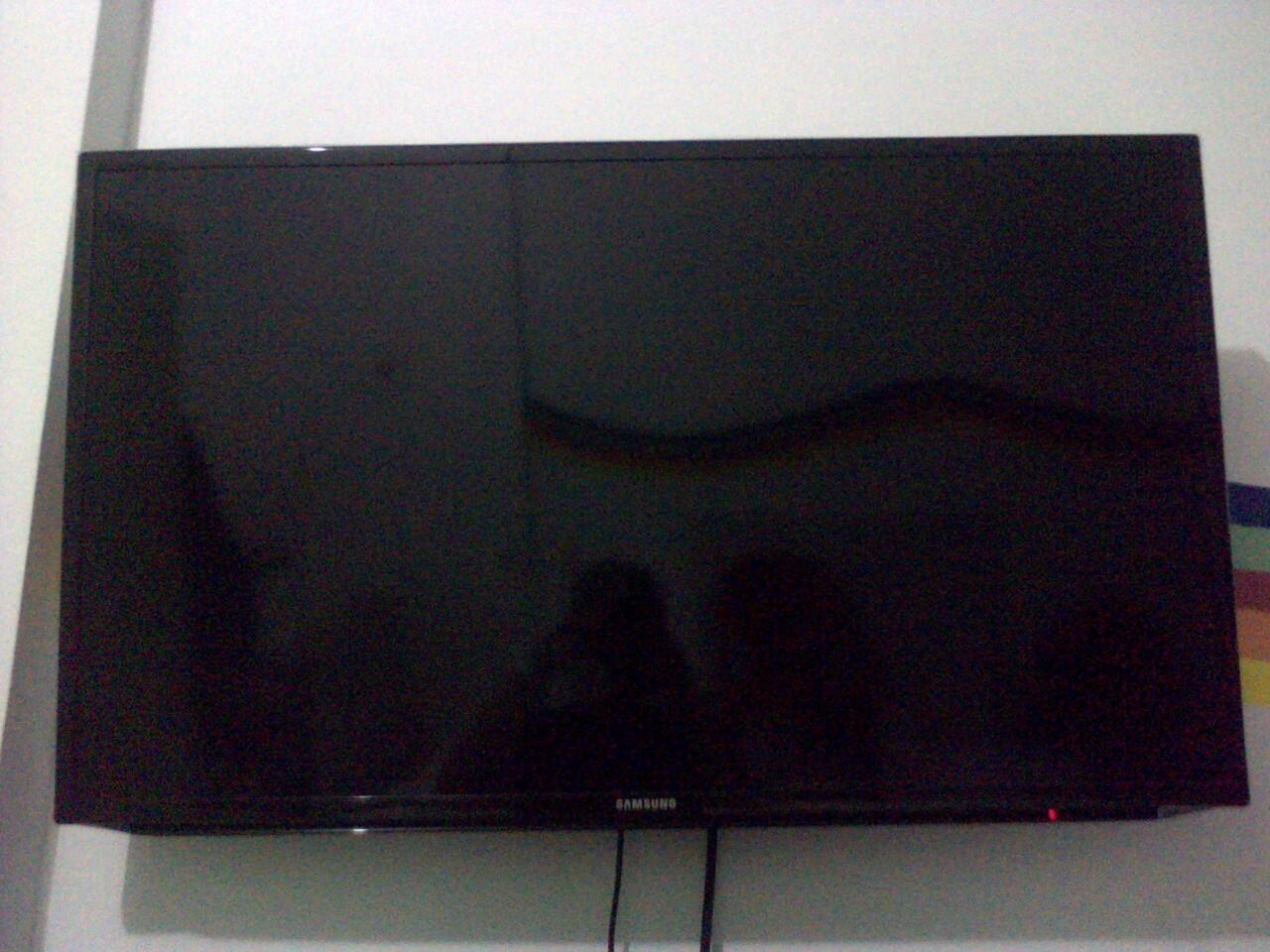 "Jual XBOX 360 Slim, TV LED Samsung seri 5, 32"" & 42"""