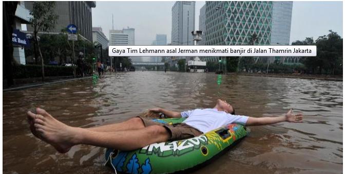 Tak Selamanya Banjir Itu Kelabu
