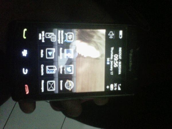 d jual blackberry 9550 (odin)
