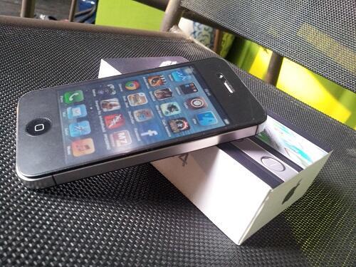 iPhone 4 CDMA 32GB Black Verizone - Lengkap - Mulus - Murah - Siapa Cepat