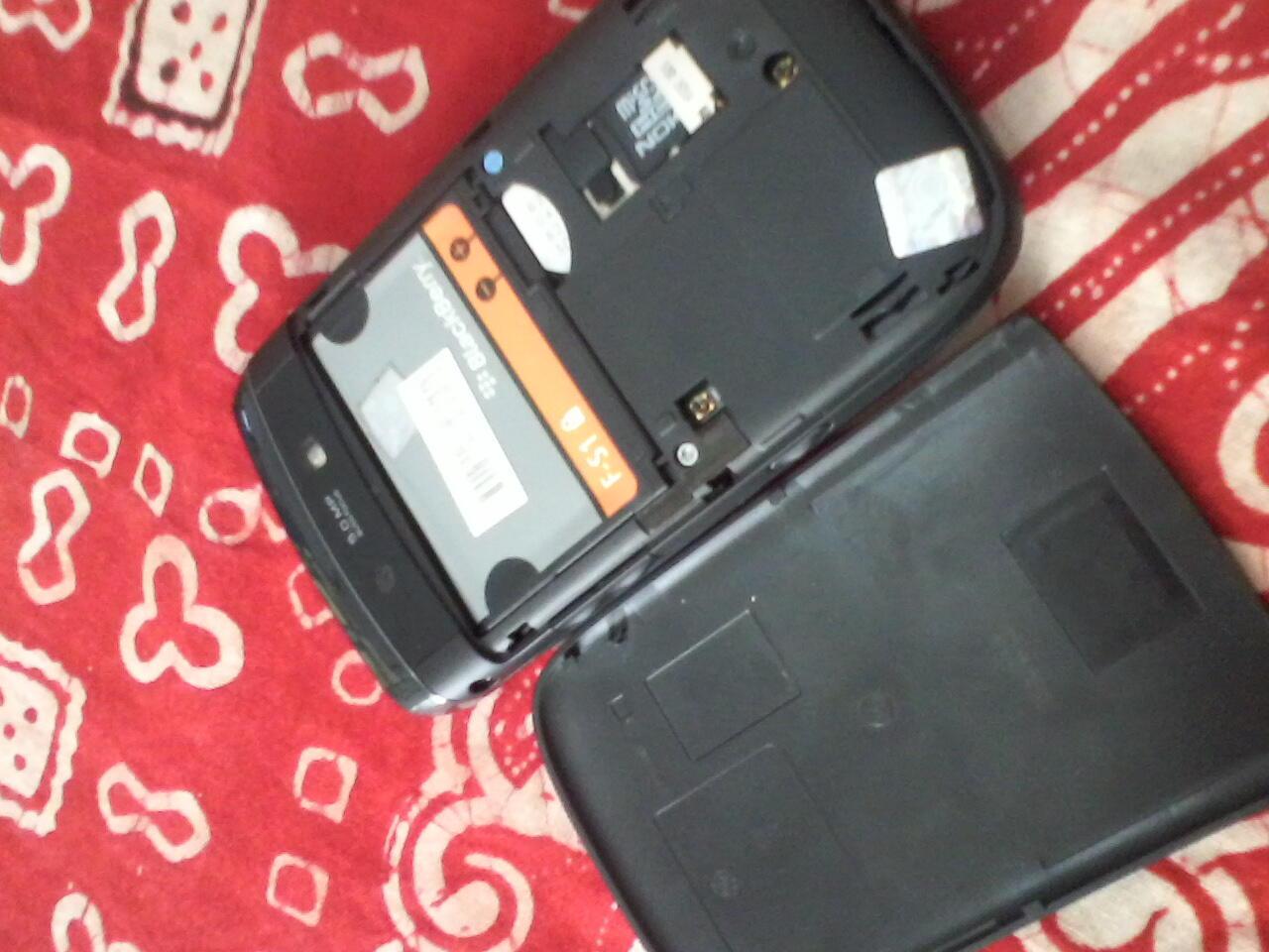 Dijual HP BB 9800 masih garansi Compaq