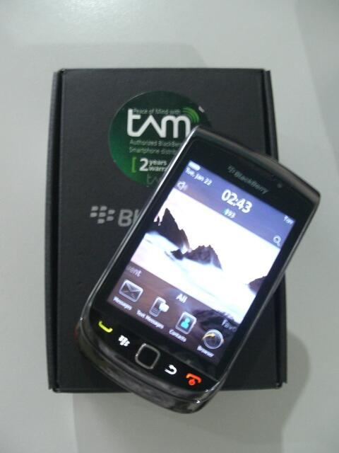 Blackberry torch 9800 hitam garansi TAM   Surabaya