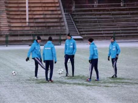 Klub sepakbola di kutub, maen di suhu -14 derajat celcius