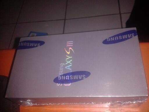 [WTS] Samsung Galaxy SIII BNIB