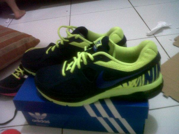 Nike AIR Futurun.. [ masuk gan pasti naksir sama sepatu ini ]