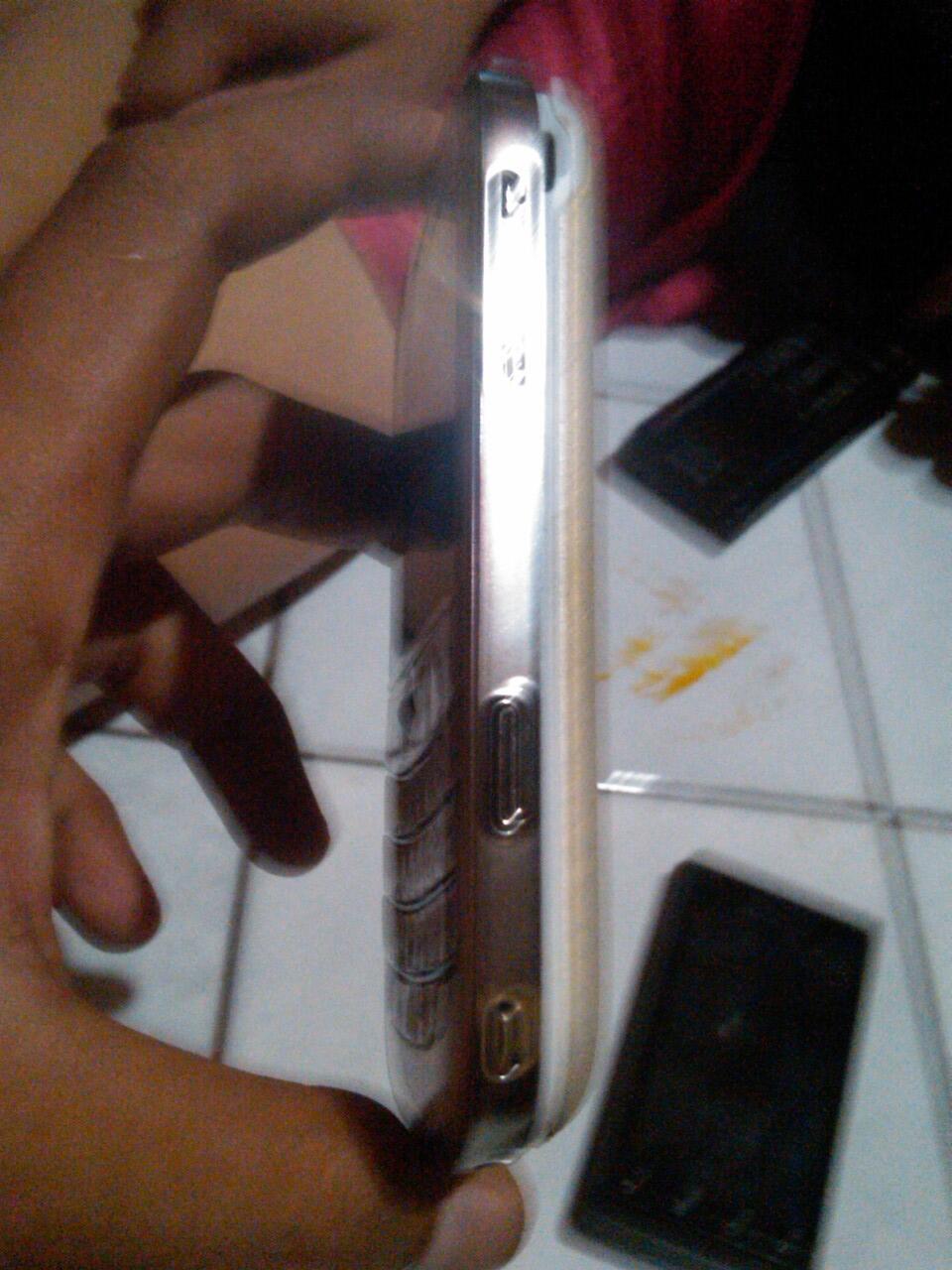 """Di Jual Cepat Hp Motorola Androit 1 Dan Blackberry Bold 9000 """" Batangan"""""""