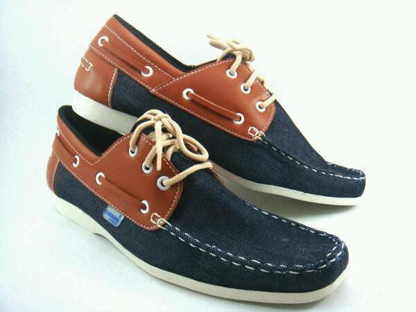 sepatu class black rp 210.000
