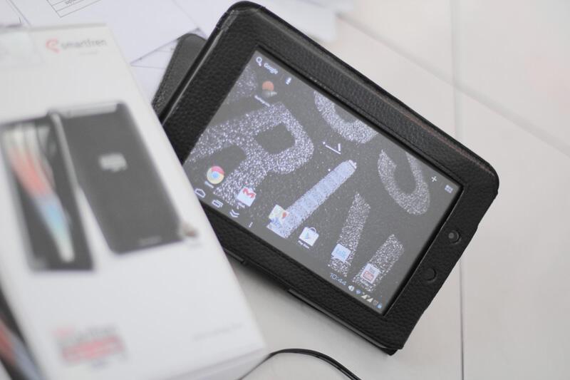New Smartfren Andromax Tab 7.0, Masih garansi panjang Jogja