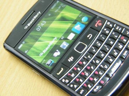 wTs blackberry essex 9650 mulusss komplit Bandung