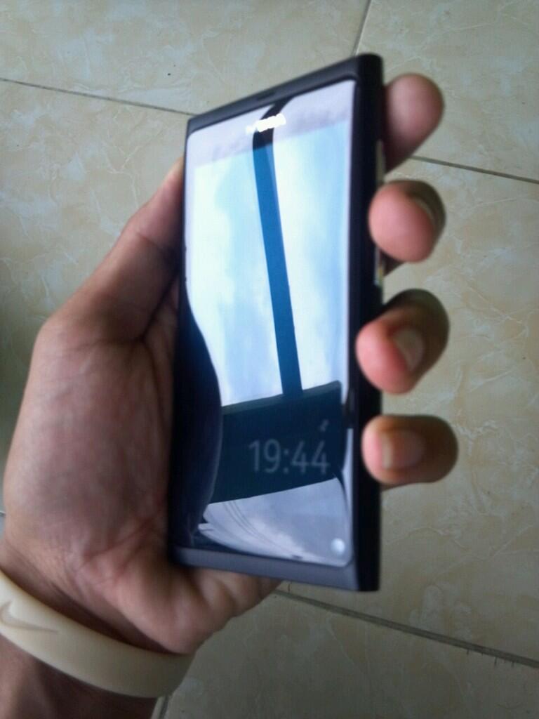 [MALANG] Nokia N9 ORI Black Fullset Mulus 99% RARE ITEM MURAH