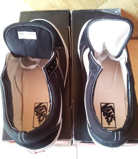 Vans Old Skool Blk/Wht Size 9.5 (PA) & 10.5 (IFC)