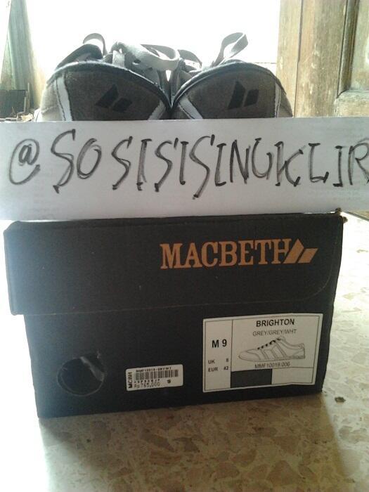 WTS Macbeth Brighton Grey White Size 9/42 Original 2nd Murah