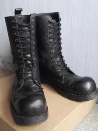 Sepatu kulit underground shoes 12 lubang bandung