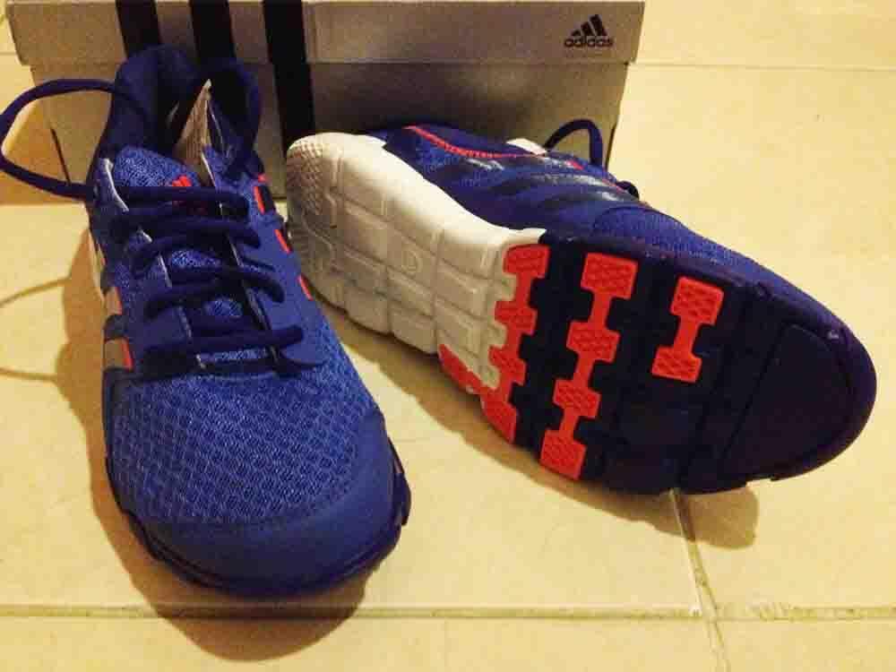 ADIDAS_sepatu olahraga untuk wanita (size 38) DISC 40%
