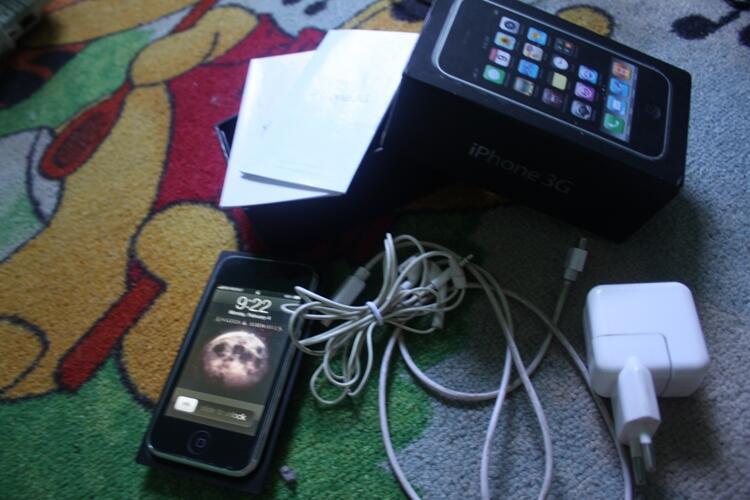 jual Iphone 3G 16Giga Black full Set murah! Semarang