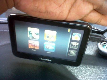 dijual gps Royaltek mobil touchscreen normal,mulus and murah