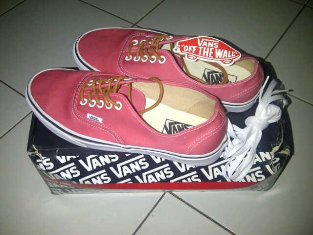 WTS : sepatu vans selmon warna merah original murah!!! masuk gan!!!