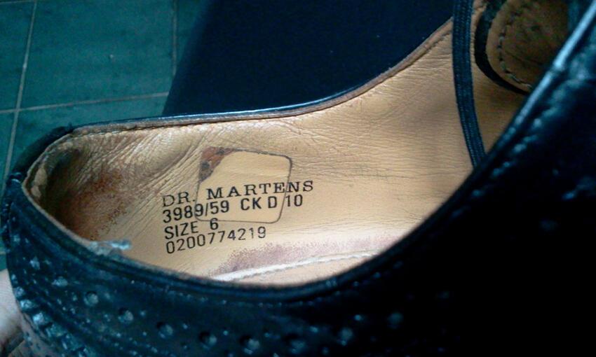 JUAL SEPATU DOCMART / DM / DR MARTENS SHOES