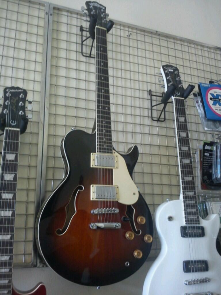 Jual Gitar Epiphone by Gibson Les Paul Model dan Washburn Semi Hollow Body (UPDATED)