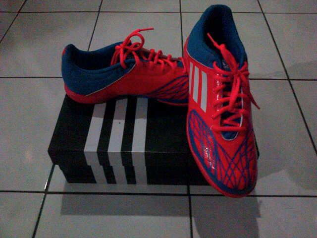 sepatu futsal adidas (freefootball speedkick) 100% ORI murmer!!!
