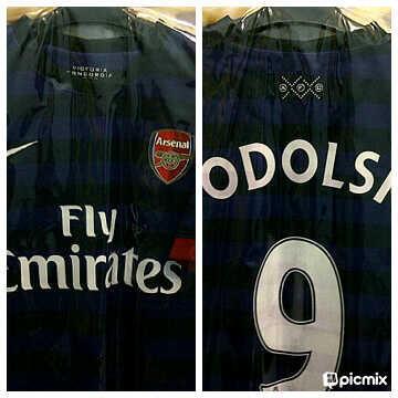 jersey arsenal away size M+podolski+double bpl 2012-2013