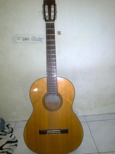 Gitar Akustik Yamaha C 390 harga 600 ribuan
