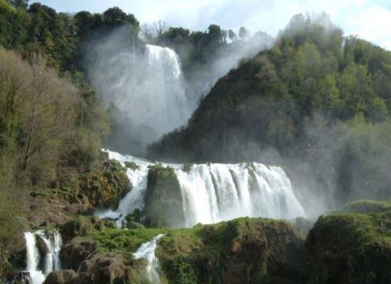 9 Wisata Alam Buatan terbaik di Dunia