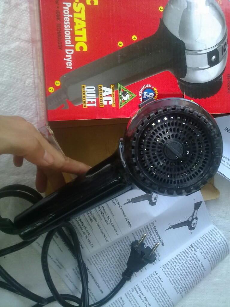 WTS  jual hair dryer pengering rambut WIGO Taifun 1000 original mulus murah 86bca1bc61