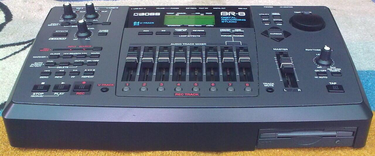 Digital Recording Studio/ BOSS BR-8 Made in : Japan