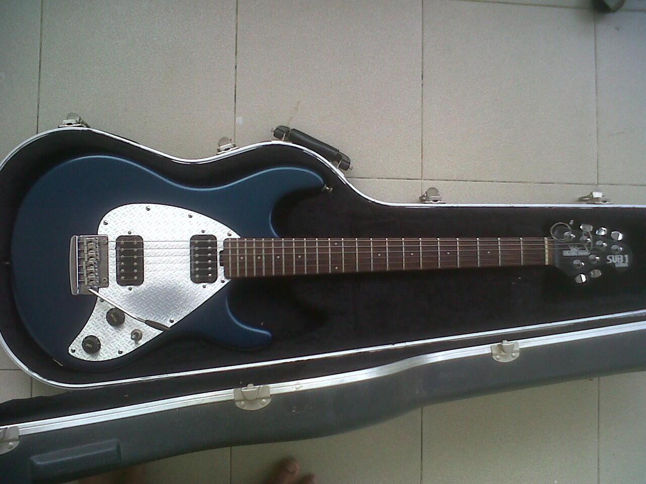 Gitar Ernieball Musicman Sub1 USA + Hardcase SKB