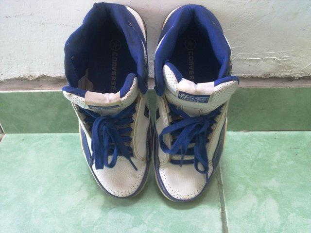 sepatu basket converse weapon