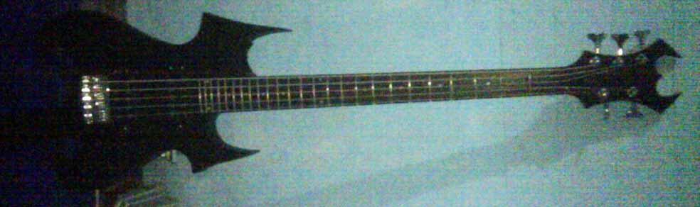 bass bc rich zombie revenge 5 string (custom murah) langka gan..