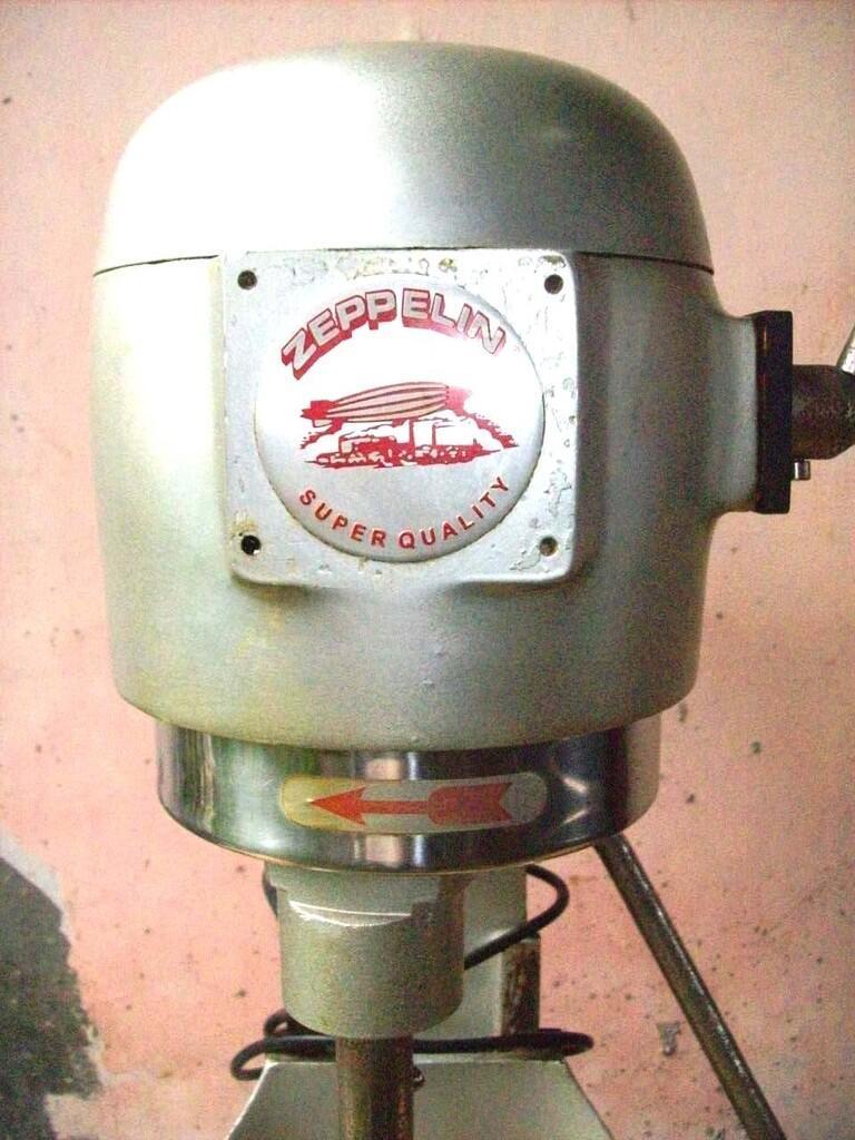 Exhaust fan panasonic-KDK, Mixer roti zeppelin,mesin jahit singer,dll