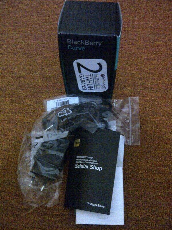 Blackberry Curve Davis 9220 White and Black Murah