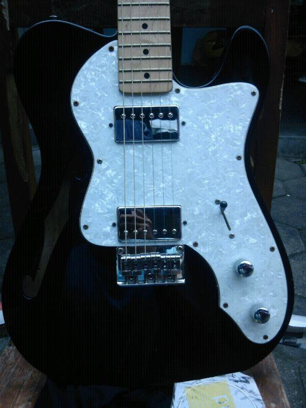 fender telecaster thinline (very good condition )