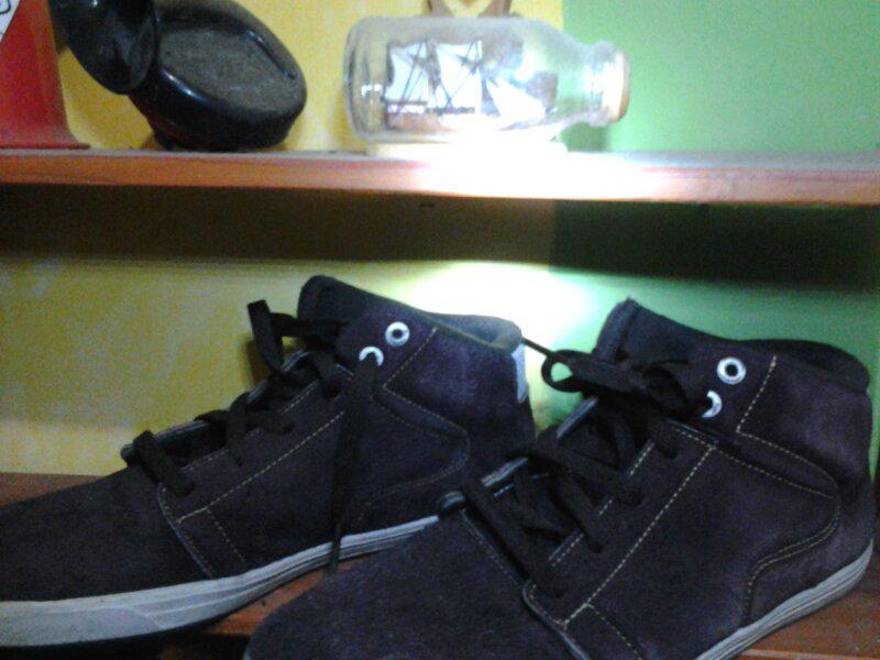 Terjual sepatu supra kw+sepatu bola speed  ee6629f07d