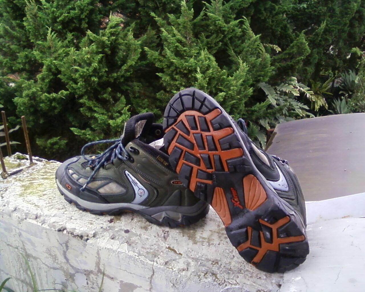 sepatu salomon mid goretex & K2 goretex
