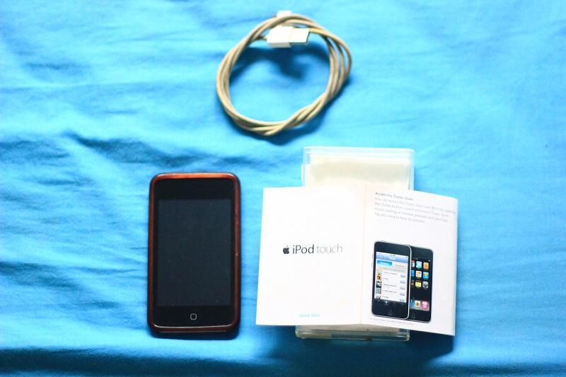 jual ipod touch 3rd gen 64gb kondisi 95%... cucooo & murah