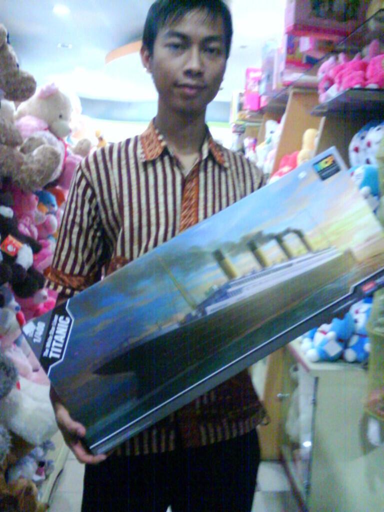JUAL MINIATUR KAPAL : R.M.S TITANIC MODEL KIT DAN KAPAL PERANG, Bandung