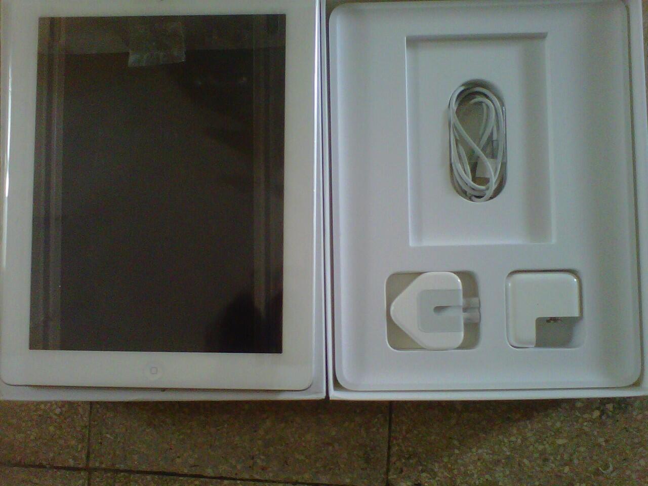 [WTS] IPAD4 4G+WIFI 32Gb WHITE BANYAK BONUS!! MASUK GAN!!