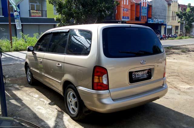 Hyundai Trajet GLS Genuine Leather Captain Seats 2000cc Manual