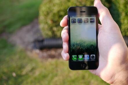 Apple Akhirnya Tambal Celah Keamanan di App Store