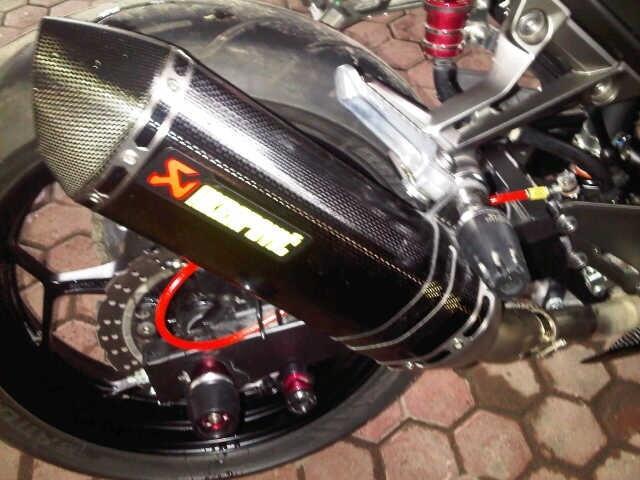 WTS-- knalpot akrapovic original dan bazzaz ninja 250fi like new